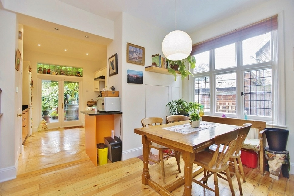 6 Bedroom House for Sale in Acton, London, W3