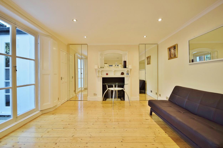 3 Bedroom Flat to Rent in Camden Town, London, NW1