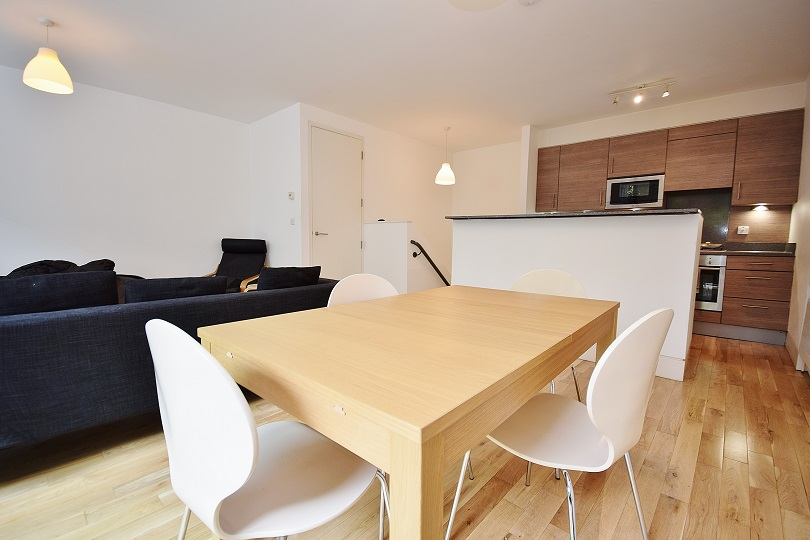 2 Bedroom Maisonette to Rent in Kentish Town Road, Camden Town, NW1